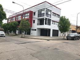 Foto PH en Venta en  La Plata ,  G.B.A. Zona Sur  Triplex 29 y 41