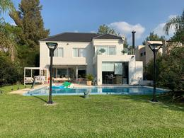Foto Casa en Venta en  Saint Thomas,  Countries/B.Cerrado (E. Echeverría)  Venta - Hermosa casa al golf en Saint Thomas Este