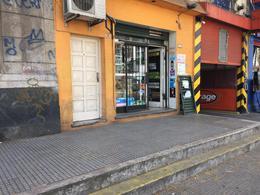 Foto Local en Alquiler en  Boca ,  Capital Federal  Almirante Brown al 100