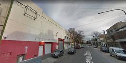 Foto Local en Alquiler en  Mataderos ,  Capital Federal  Avenida Juan Bautista Alberdi 6253, Buenos Aires