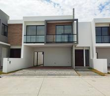 Foto Casa en Venta en  Alvarado ,  Veracruz  Casa Residencial en Riviera Veracruzana, Alvardo