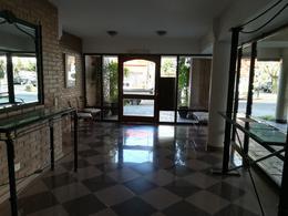 Foto Departamento en Alquiler en  Mart.-Vias/Santa Fe,  Martinez  Albarellos al 1300