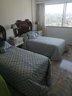Foto Departamento en Venta en  Playa Mansa,  Punta del Este  Exclusivo Apartamento En Venta con Hermosa Vista a la Bahía Ubicado en Primera  Linea Frente a Playa Mansa