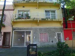 Foto Departamento en Alquiler en  Banfield,  Lomas De Zamora  CABRERA 352