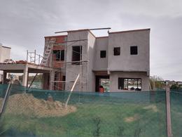 Foto Casa en Venta en  El Canton,  Countries/B.Cerrado  Barrio Norte al 100