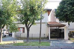 Foto Casa en Alquiler en  Carapachay,  Vicente Lopez  Castelli al 6300