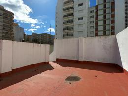 Foto PH en Venta en  Plaza Colon,  Mar Del Plata  Alberti al 2000