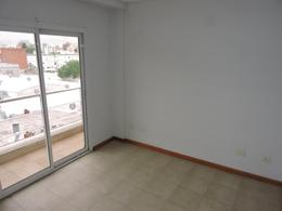 Foto thumbnail Departamento en Alquiler en  Moron,  Moron  Belgrano al 400