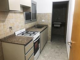 Foto Departamento en Venta en  Castelar,  Moron  N. Avellaneda al 900