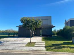 Foto Casa en Venta en  Los Castaños,  Nordelta  Castaños 215