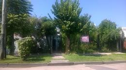 Foto Casa en Venta en  Almirante Brown ,  G.B.A. Zona Sur  Río Negro al 500