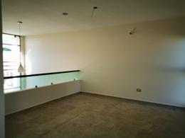 Foto Casa en Venta en  Temozon Norte,  Mérida  Vendo bella residencia nueva en privada.