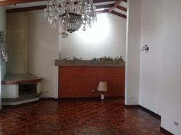 Foto Casa en Venta en  Sabanilla,  Montes de Oca                  Propiedad Independiente/ Sobre calle principal/ Ideal para Comercio