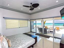Foto Casa en Venta en  Quintana Roo ,  Quintana Roo  Casa Frente al mar 4 recámaras vista INCREIBLE!! EXCLUSIVO Playacar Fase 1  P3297