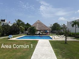 Foto Casa en Venta en  Playa Azul,  Solidaridad  CASA DE 3 REC. CON ALBERCA A 5 MIN. DE LA PLAYA