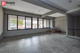 Foto Local en Venta | Alquiler en  Villa Crespo ,  Capital Federal  Julián Alvarez y Castillo