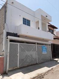 Foto Casa en Venta en  Fraccionamiento CANACO,  Culiacán  CASA DE 4 REC EN FRACC. CANACO,  JUNTO A PLAZA SENDERO