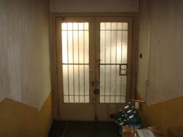 Foto Edificio Comercial en Venta en  Monserrat,  Centro  San Jose al 1000