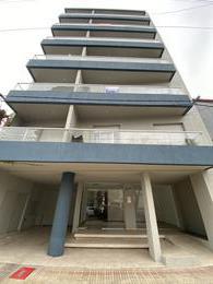 Foto Departamento en Venta en  La Plata ,  G.B.A. Zona Sur  42 N° 1127 entre 17 y 18