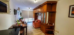 Foto Apartamento en Venta en  Malvín ,  Montevideo  Rambla Rep. De Chile. Planta baja con patio