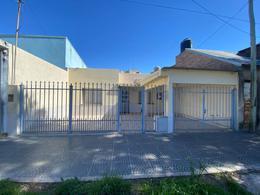 Foto Casa en Venta en  Santo Tomé  ,  Santa Fe  Castelli al 2800