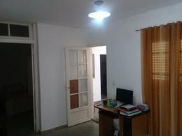 Foto Casa en Venta en  Lisandro De La Torre,  Rosario  Juan José Paso al 1100