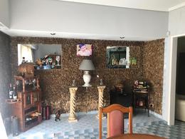 Foto Casa en Venta en  Lomas de Zamora Oeste,  Lomas De Zamora  Vetere 640