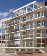 Foto Apartamento en Alquiler en  Centro,  Piriápolis  Cómodo apartamento en el tercer piso del edificio Portofino  renta por fin de semana