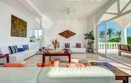Foto Casa en Venta | Renta temporal en  Tulum,  Tulum          Villa sobre la playa  Akumal Tulum