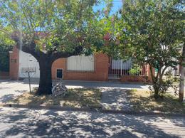 Foto Casa en Venta en  Escobar ,  G.B.A. Zona Norte  Alberdi  255