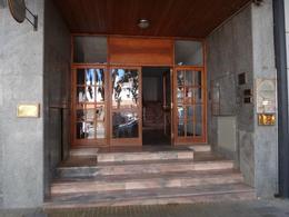 Foto Oficina en Venta en  Área Centro Este ,  Capital  Diagonal 25 de Mayo 170