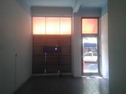 Foto Local en Alquiler en  San Telmo ,  Capital Federal  PIEDRAS al 1200