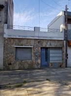 Foto Casa en Venta en  Matheu,  Rosario  JUAN CANALS al 1600