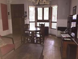 Foto Casa en Venta en  Lomas de Zamora Este,  Lomas De Zamora  POZOS 388