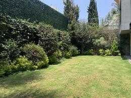 Foto Casa en Venta en  Bosques de las Lomas,  Cuajimalpa de Morelos  CASA DE DISEÑOR - BOSQUES DE LAS LOMAS - CALLE CERRADA CON SEGURIDAD