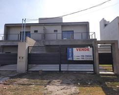 Foto Casa en Venta en  Yerba Buena ,  Tucumán  Saavedra Lamas 300