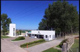 Foto Casa en Venta | Alquiler en  La Alameda,  Canning  La Alameda alquiler Amueblado
