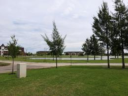 Foto Terreno en Venta en  El Principado,  Countries/B.Cerrado (San Vicente)  Oportunidad lote en El Principado de Canning en la zona más desarrollada, vista a la laguna