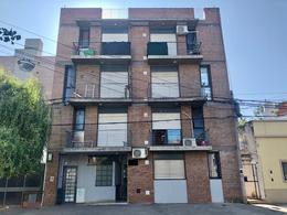 Foto Departamento en Venta en  Echesortu,  Rosario  Crespo al 1400 PB - B
