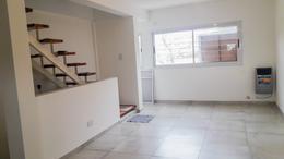 Foto PH en Venta en  La Plata,  La Plata  Duplex Calle 120 entre 35 y 36