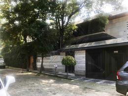 Foto Casa en Venta en  Lomas de las Palmas,  Huixquilucan  Cda Fuente Portal de las Flores casa en venta con doble vigilancia (MC)