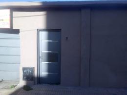Foto Casa en Venta en  Lomas de Zamora Oeste,  Lomas De Zamora  Prando 845