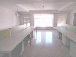 Foto Oficina en Alquiler en  Microcentro,  Centro (Capital Federal)  Diag. Norte Roque Saenz Peña  800 8 y 9* Amoblada. Sup. 1440m2. 8 baños. Cocheras a demanda $ 6.000. por mes.