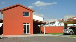 Foto Casa en condominio en Venta en  Llano Grande,  Metepec  CASA EN VENTA EN FRACCIONAMIENTO FINCA REAL METEPEC,  ESTADO DE  MÉX