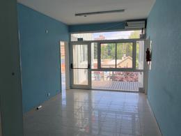 Foto Oficina en Alquiler en  Área Centro Este ,  Capital  Alderete 256