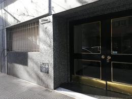 Foto Departamento en Venta en  Recoleta ,  Capital Federal  Agüero al 2100