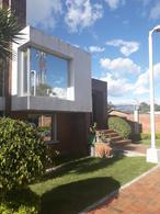Foto Casa en Venta en  Cumbayá,  Quito  !BAJÓ DE PRECIO! CUMBAYA, VENTA LINDA CASA, EXCELENTE UBICACION, COMPLETAMENTE MODERNIZADA, MS