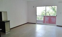 Foto Departamento en Alquiler en  Coghlan ,  Capital Federal  Naón al 2900