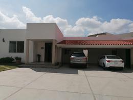 Foto Casa en Venta en  Fraccionamiento Lomas de Comanjilla,  León  Casa en VENTA en Lomas de Comanjilla 1 planta, 3 recámaras, alberca, salón de eventos, hermosa!!!