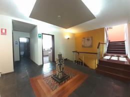 Foto Local en Alquiler en  Miraflores,  Lima  Calle Lino Alarco